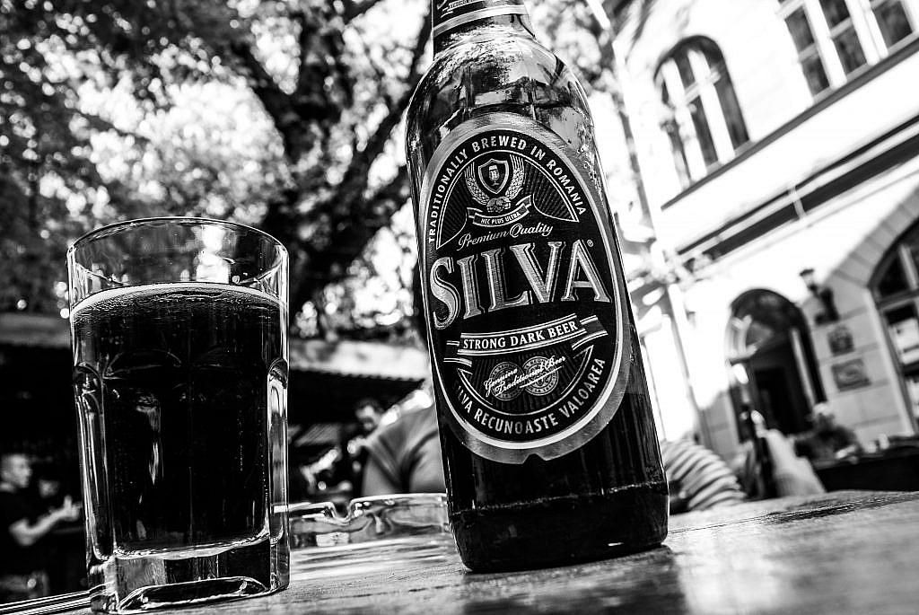 Os cachorros de Bucareste e a cerveja Silva